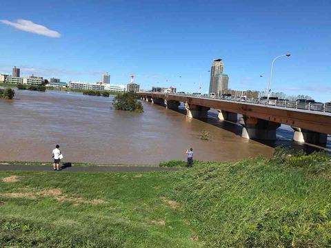 氾濫寸前の荒川
